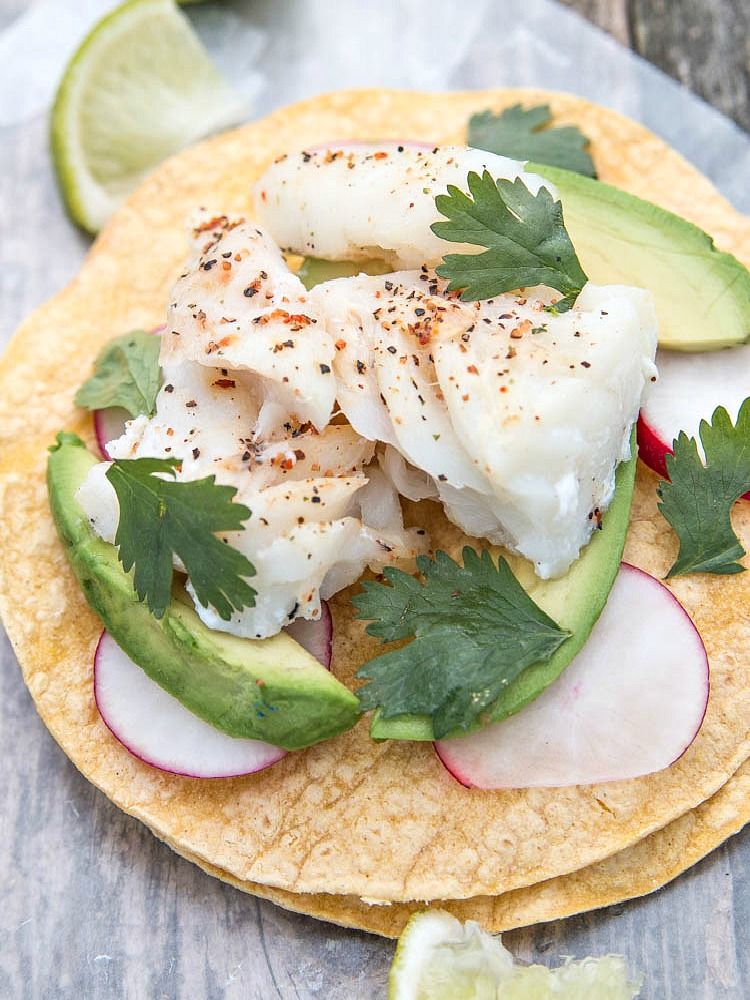 Fish_taco_from_top