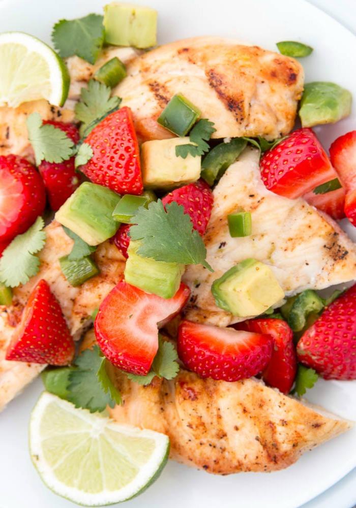 Strawberry_salsa_close