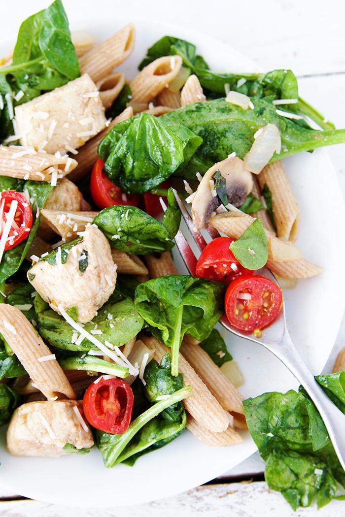 chicken_pasta_salad_fork